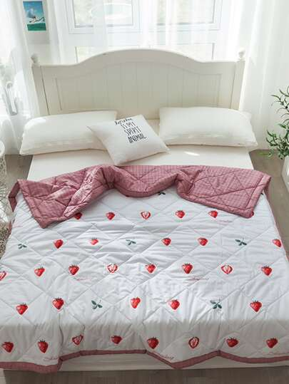 Strawberry Print Summer Quilt