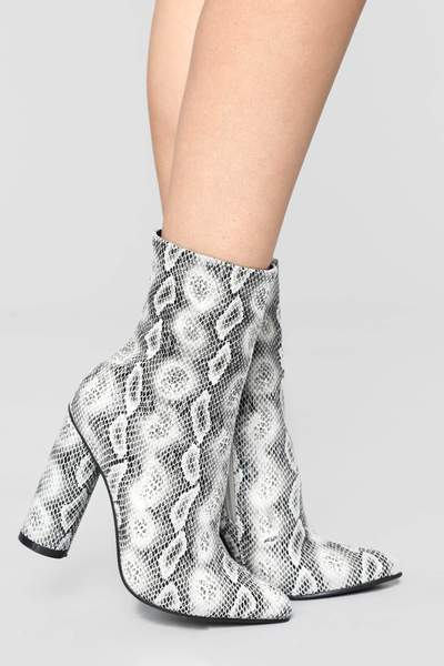 BOAS SNAKE SKIN CHUNKY STACKED HIGH HEELED ANKLE BOOTS-SNAKE