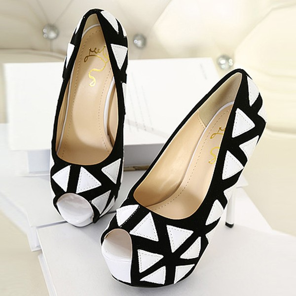 Black Pu Triangle Print Pump Heels